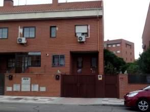Casa pareada en Principal Avenida de Humanes Con Todos los Servicios