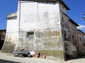 Casa adosada en Avenida Sierra de Guara, nº 02