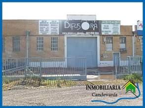 Nave industrial en Val de La Horca
