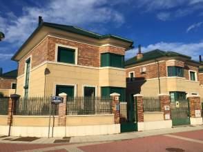 Chalet unifamiliar en calle Madroño