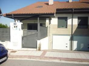 Chalet pareado en calle Quintana, nº 36