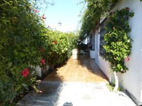 Casa adosada en Avenida Huelva