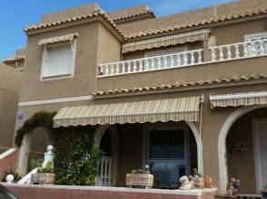 Casa adosada en calle Creta
