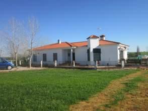 Chalet unifamiliar en Carretera San Rafael de Olivenza, nº S/N