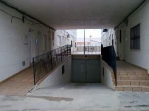 Casa adosada en Avenida Elvira, nº 6