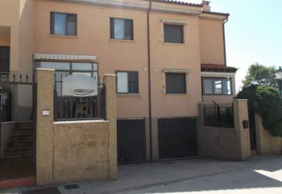 Casa aparellada a calle Trasal, nº 1