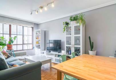 Apartamento en calle Indalecio Prieto Tuero, nº 4