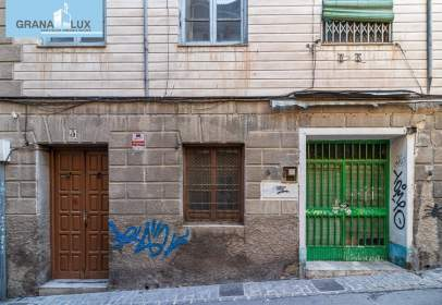 Building in calle Hornillo de Cartuja