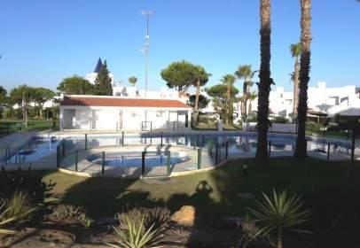 Casa adosada en Las Lagunas-Campano