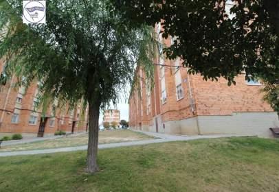 Pis a calle Centro Segoviano de Madrid