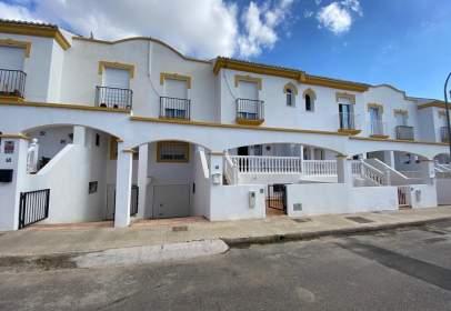 Casa adosada en calle de la Amatista, 15