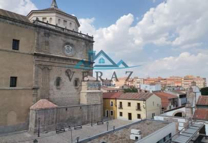 Pis a Plaza de San Jerónimo