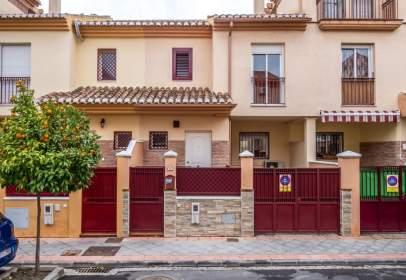 Casa adosada en calle de Játiva