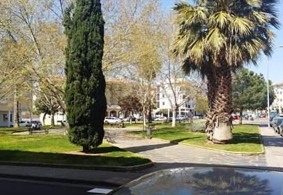 Garatge a Reina Sofía-Salesianos-Bodegones