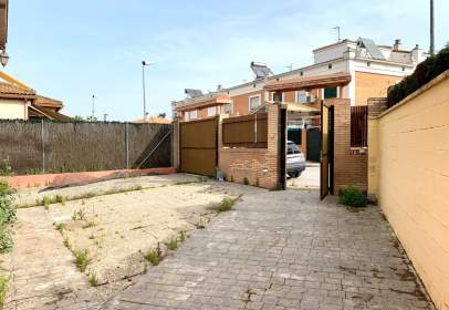Chalet in calle Cremona