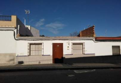 Casa adosada en calle de Huelva