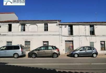 Casa en calle de Mariano Lambea
