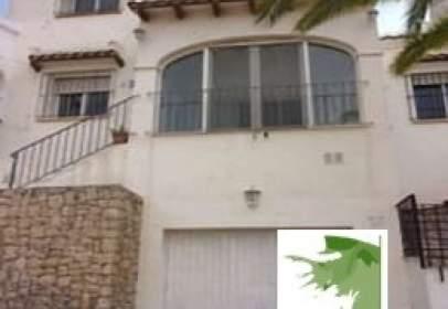 Casa adossada a calle Pintor Zurbaran