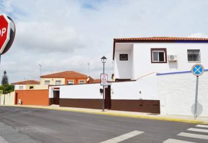 Casa en calle Virgen del Rocio
