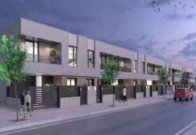 Casa adosada en calle Comunidad de la Rioja