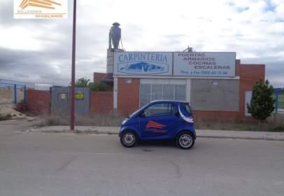Nave industrial en calle de Pío Basanta, nº 77-87