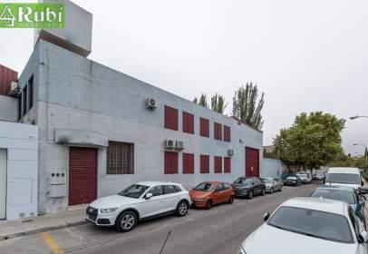 Nau industrial a calle de María Auxiliadora