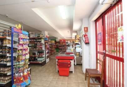 Local comercial en calle de los Boalares, nº 4