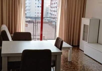 Apartamento en calle de Sagunto, cerca de Carrer de l' Actor Mora