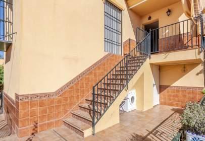 Casa pareada en calle de Sevilla