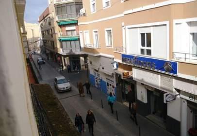 Local comercial a calle Guardia CIVIL