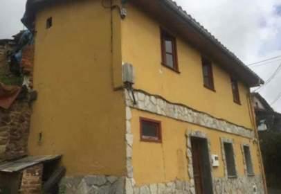 Chalet en calle La Vara, nº 111
