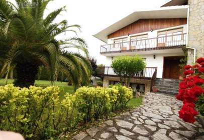 House in Maruri-Jatabe