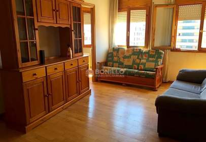 Flat in calle Enrique Trullenque