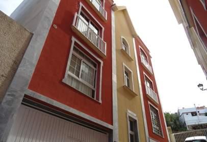 Piso en calle Los Reyes, nº 12