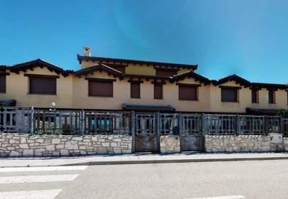 Terraced house in Grajera