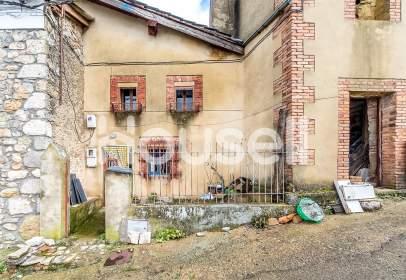House in Cistierna