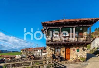 Rustic house in Foz de Caso