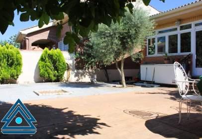 Casa pareada en Amarilla
