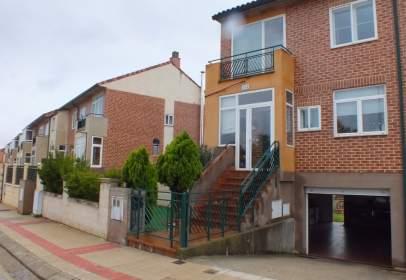 Casa adossada a calle Felicidad, nº 103