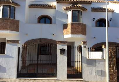 Terraced house in calle Al- Andalus