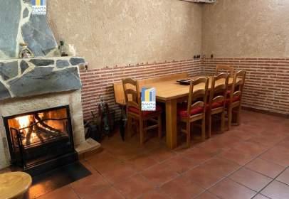 Casa adosada en Morales del Vino
