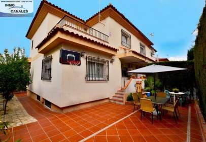 Paired house in calle Kefrem