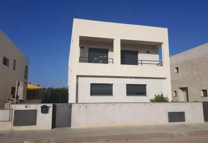 Casa en calle Cabanelles