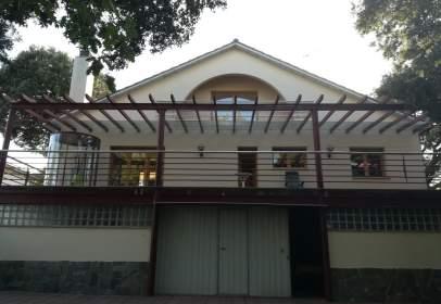 Casa en Avinguda de Santa Coloma