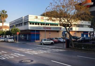 Local comercial a Avenida Juan Sebastián El Cano