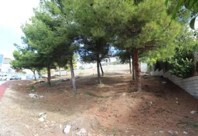 Terreno en calle de Leóni Benabú