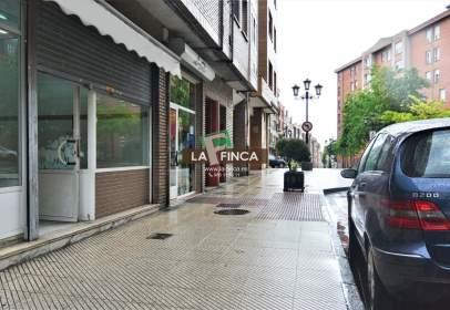 Local comercial en calle de Bermúdez de Castro, cerca de Avenida del Mar