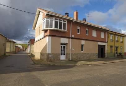 Casa adosada en Esla - Campos - Villaornate y Castro