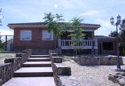 Chalet in Escalona