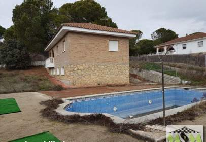 Single-family house in Paseo de los Cerezos, 177